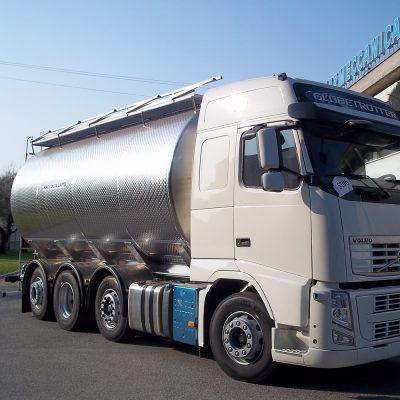 autocisterne per raccolta e trasporto latte casermeccanica cop